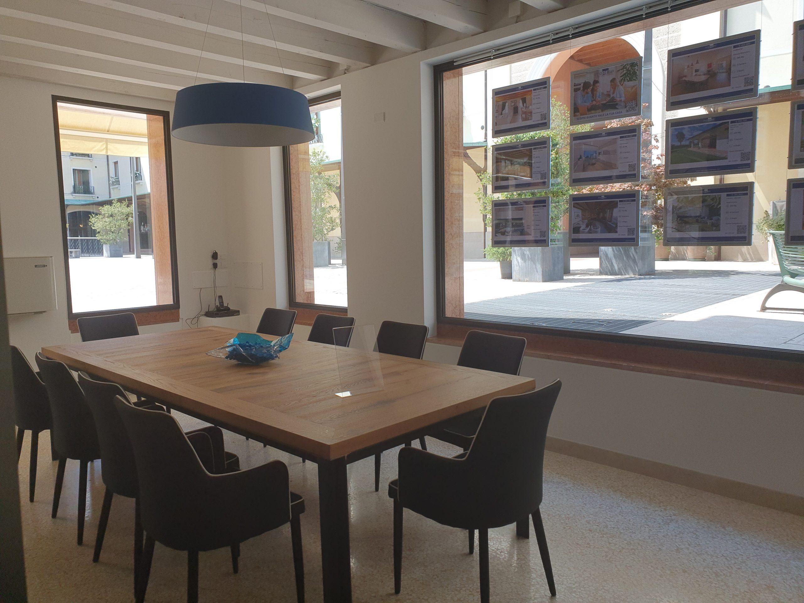 Agenzia immobiliare impREsa Treviso Quartiere Latino sala riunioni